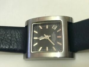 U-S-POLO-ASSN-Women-039-s-Wrist-Watch-navy-blue-leather-strap-new-battery-VINTAGE