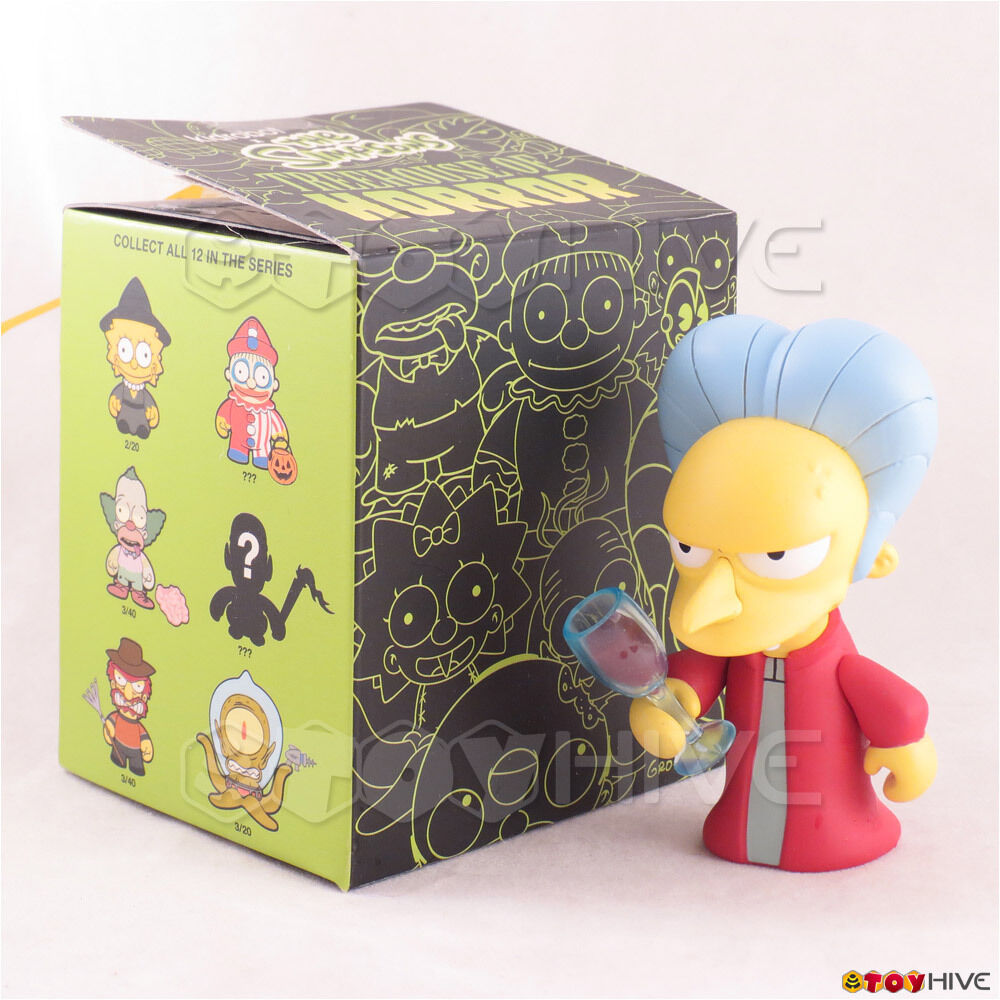 Kidrobot The Simpsons Treehouse of Horror - Dracula Burns Chase vinyl figure