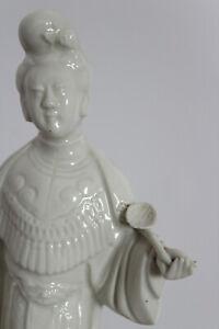 Statuette-deesse-Guanyn-en-porcelaine-034-blanc-de-chine-034
