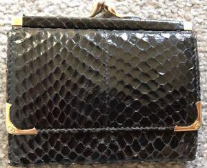 8dc2d430e5de VINTAGE GUCCI TRI-FOLD KISS LOCK COIN BLACK SNAKE SKIN WALLET | eBay
