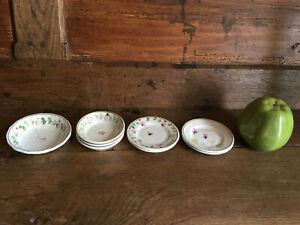 assiette de dinette ancienne en porcelaine,decor de roses