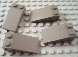 New LEGO Lot of 2 Black 4x2 Curved Slope Pieces