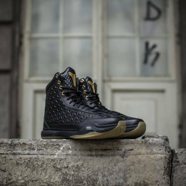 Nike Kobe 10 X EXT High size 12.5. Black Gum Gold. Elite. 822950-001.