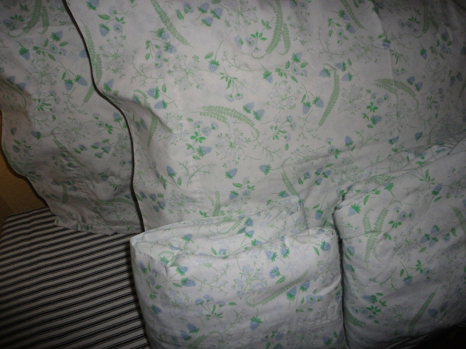 MARTHA STEWART STRAWBERRIES GREEN PERIWINKLE BRAMBLE (4PC) FULL SHEET SET