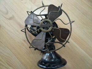 Rare Antique MENOMINEE Electric Black Gold Brass Oscillating Fan