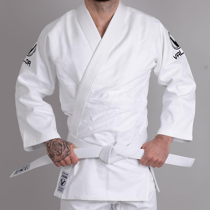 Valor Shori 450 Judo Suit White   FREE White Belt   FREE Delivery
