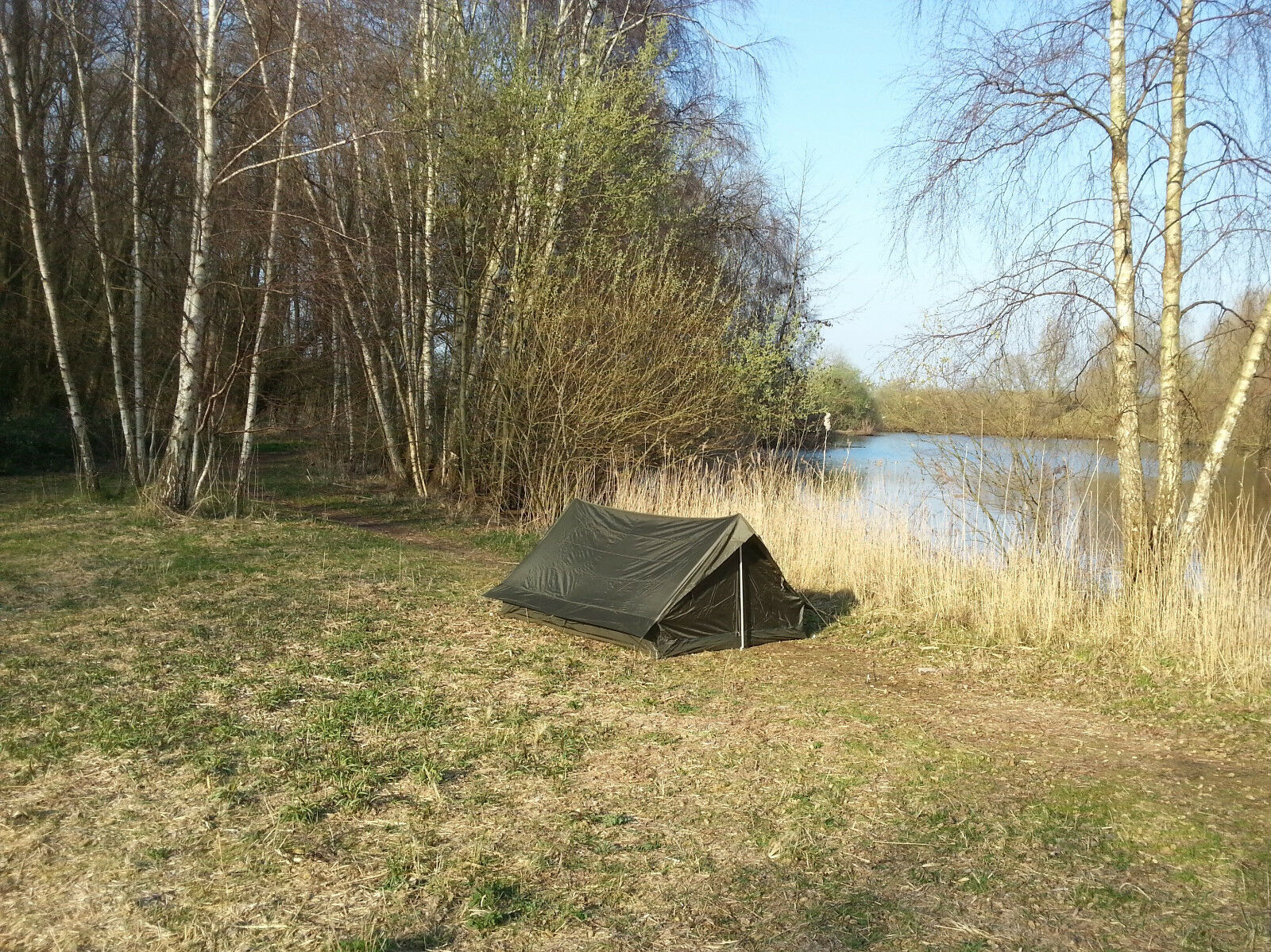 French Army F1  lightweight nylon commando tent in olive drab. NEW  honest service