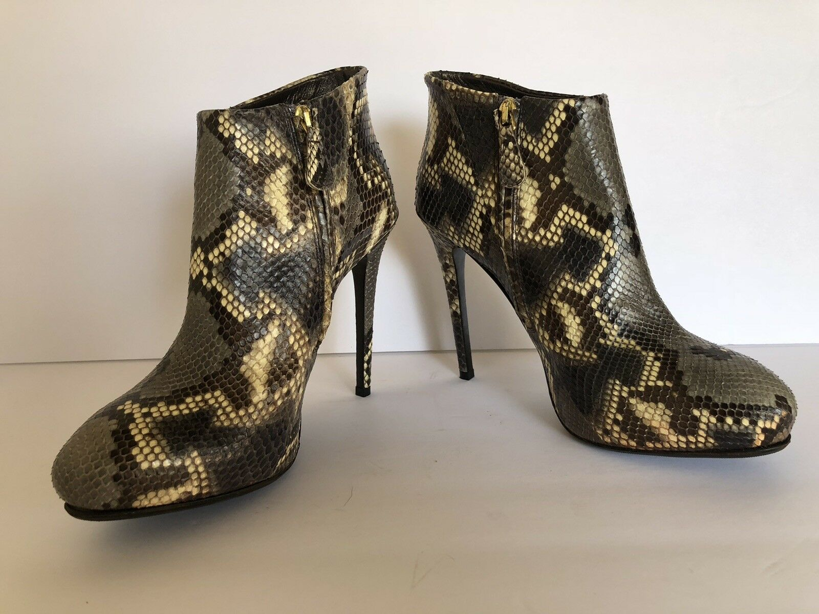 ROBERTO CAVALLI  2005 PYTHON LEATHER ANKLE ANKLE ANKLE  BOOTS WITH gold LOGO  38.5 - 8.5 da94ea