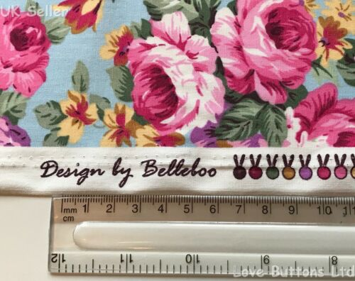 ROSE AND HUBBLE CHINTZY PINK ROSES ON BLUE FABRIC 100/% COTTON FAT QUARTERS