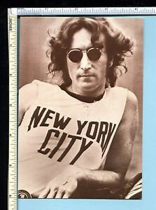 Details about JOHN LENNON Post Card  NYC Classic Pose in New York City  Shirt  BEATLES Interest 78d4bdcc085
