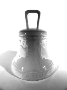 KPM-Berlin-Porzellan-Freiheitsglocke-1950-Hoehe-12-cm-OVP