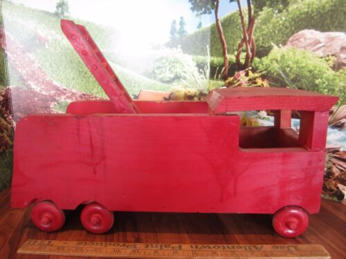 "17"" Vintage HANDMADE Wooden FIRE Truck WITH WOODEN LADDER"