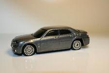 Chrysler 300c Weiss Limousine tuning 2004-2010 1//43 Bburago modelo coche con o