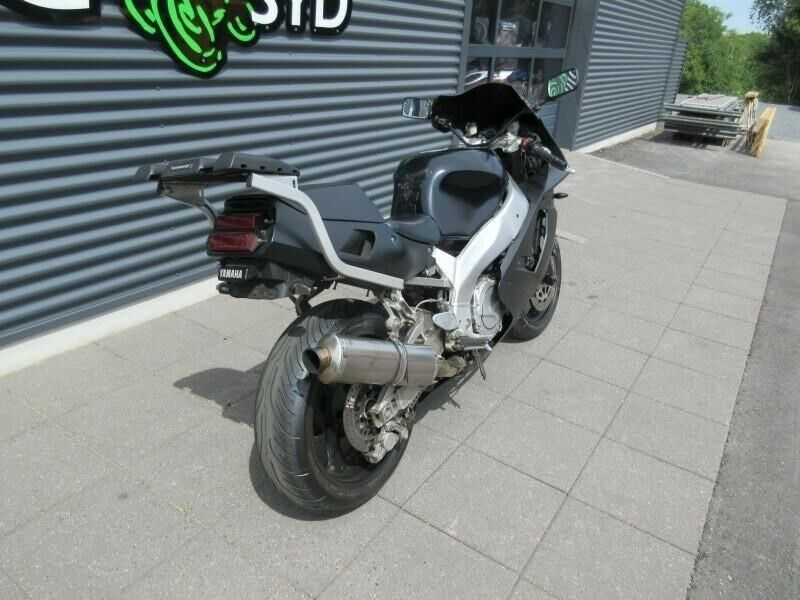 Yamaha, YZF 750 R, ccm 749