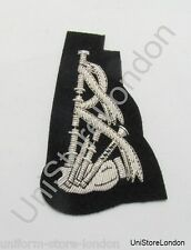 Badge Silver Piper's Sleeve Badge on Black Cloth R1183