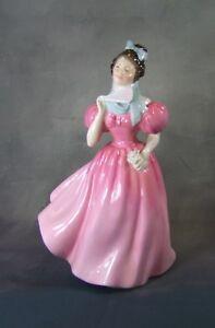 Royal-Doulton-Figur-Kamelie-HN2222-in-England-Hergestellt