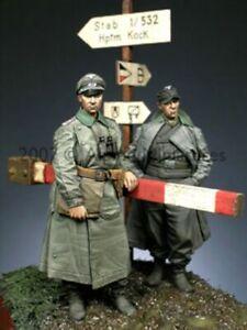 1-35-RESIN-FIGURES-ALPINE-35056-GERMAN-OFFICER-SET-NEW
