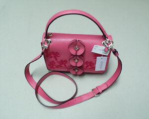 Details zu GUESS Eden Hibiskus Florale Damen Tasche Kleine Handtasche Schultertasche Pink