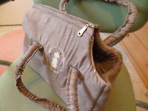 sac de transport pour chien ou chat neuf, jamais servi marque TRIXIE velours