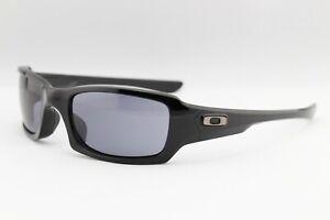 New-Oakley-Fives-Squared-9238-04-Black-Grey-Sports-Men-039-s-Wrap-Sunglasses