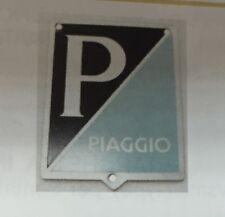 SCUDETTO EMBLEMA GRANDE FORI FISSAGGIO A RIVETTI ALLUMINIO VESPA 125 ART.5749-FO