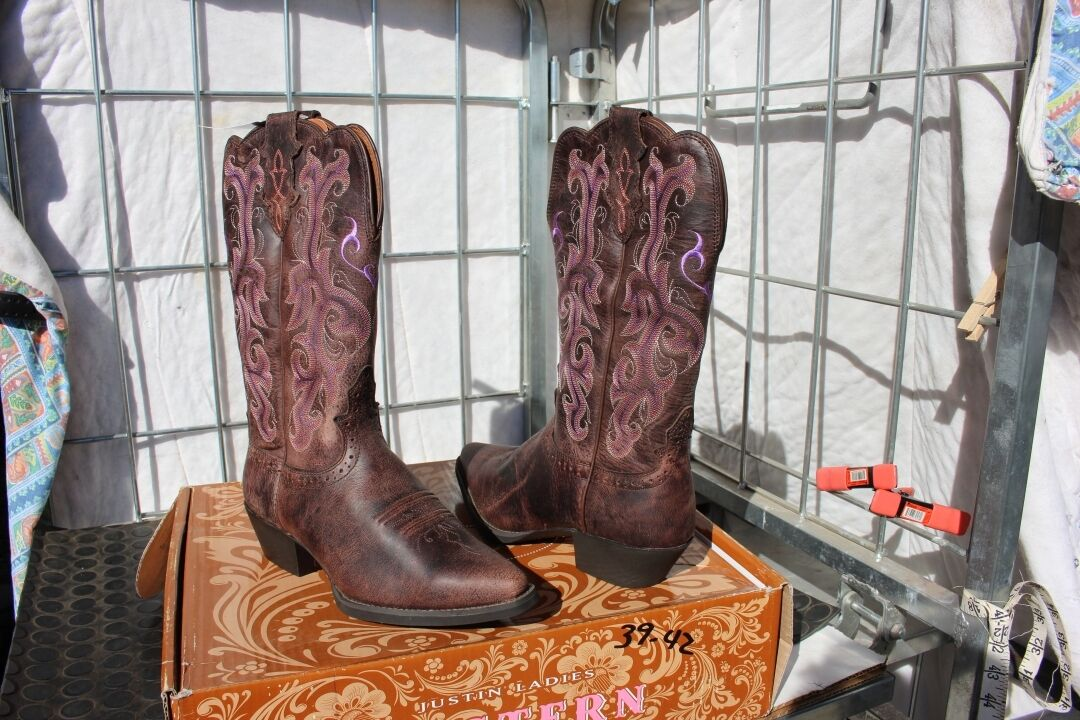 39-42 New Justin WOMENS 6.5C Chocolate  Puma Cow western boots was 179.00  novelty items