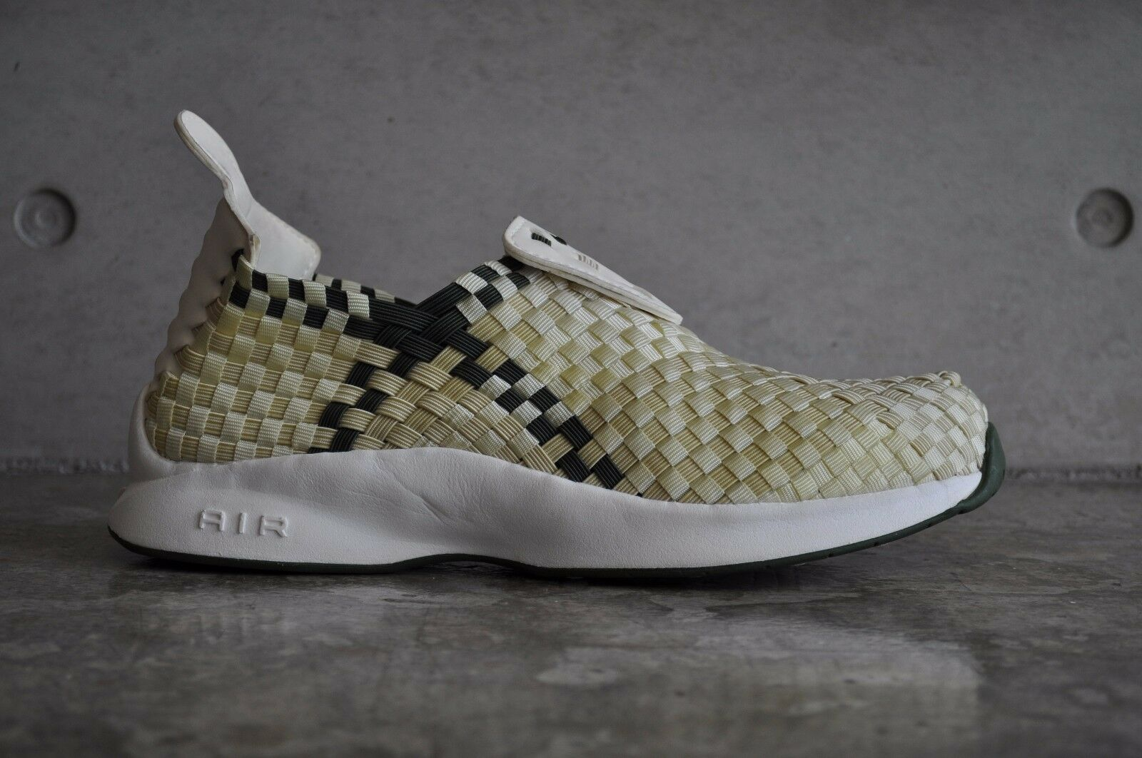 Nike Air Woven - Ivory Army Olive