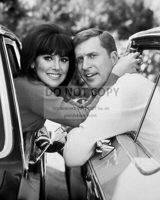 """MARLO THOMAS /& TED BESSELL IN TV SHOW /""""THAT GIRL/""""  8X10 PUBLICITY PHOTO DA-622"""