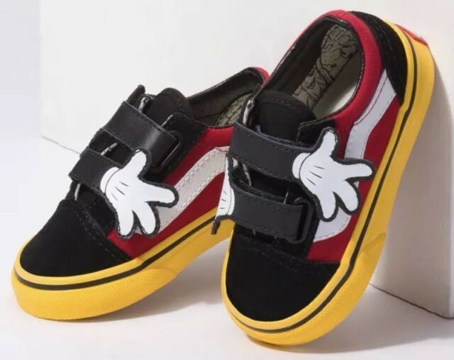 Disney VANS Old Skool V Mickey Mouse Hugs Tennis Shoes Sz 12 K Kids ... 397b74968