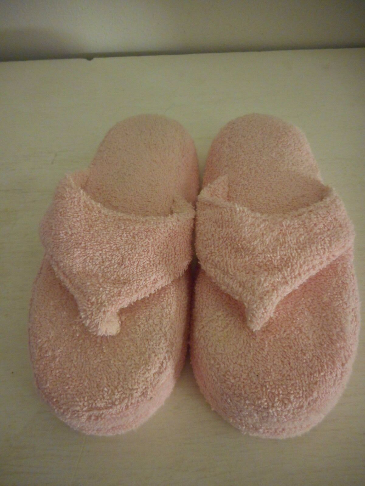 Womens Size S / M HoMedics Pink terrycloth Slippers with massage memory foam