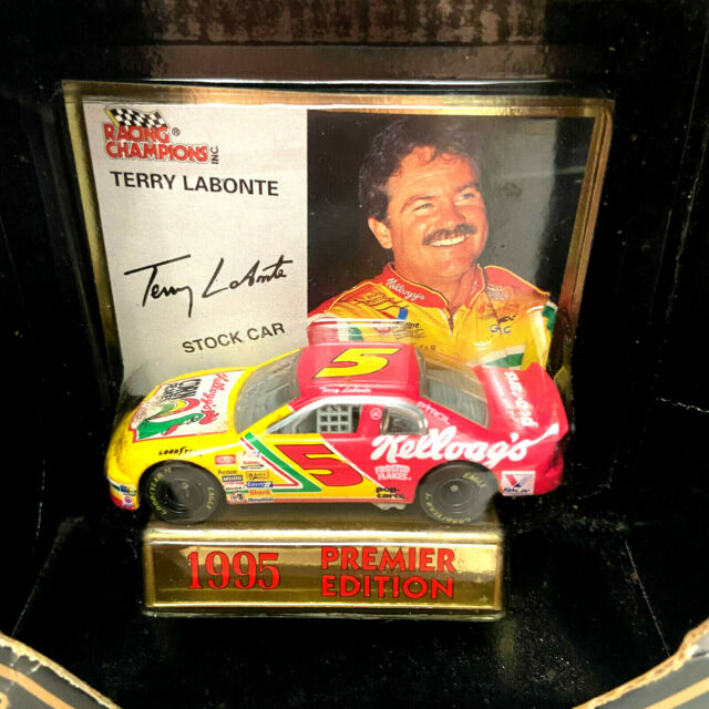1995 Edition Racing Champions #5 Terry Labonte 1:64 Scale Diecast Car NASCAR