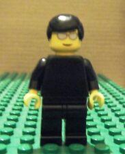 LEGO MINI–RACERS–FERRARI–OFF, BLACK TORSO, NO STICKERS, SILV SUNS, BLK HAIR–USED