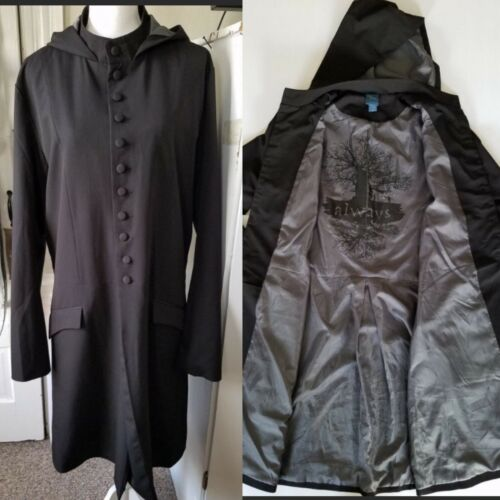 Hot Topic Large Men's Harry Potter Black Buttoned