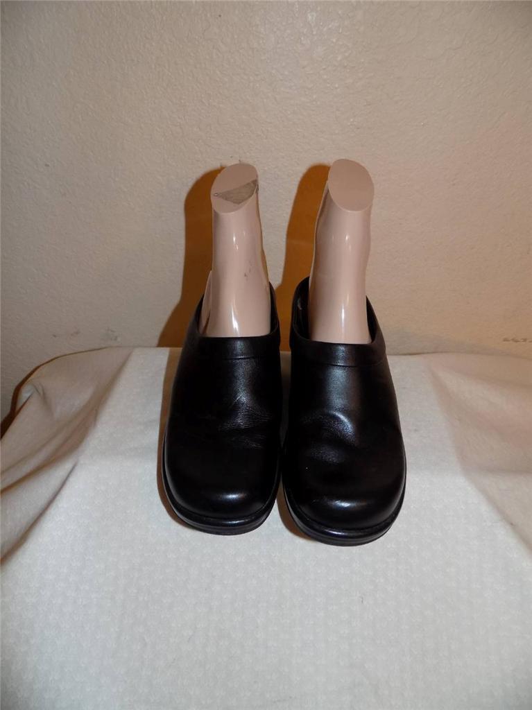 Dansko Cuir noir Sabots Mule diapositives chaussures Pointure 37 (US 6.5-7)