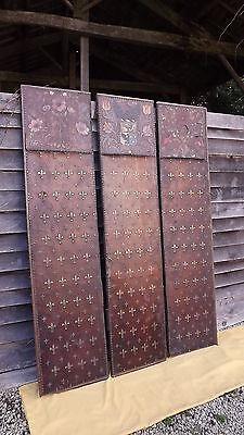 Ancien paravent chateau décor théatre cuir bois déco médieval Fleur De Lys Aigle