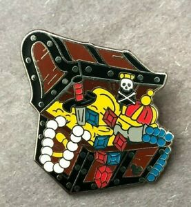 disney-trading-pin-pirates-of-the-caribbean-treasure-chest-hidden-mickey-coins