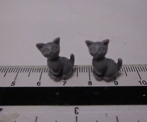 1-12th-Scale-Two-Sitting-Grey-Kittens-Doll-House-Miniature-Cats-Pets-Animals