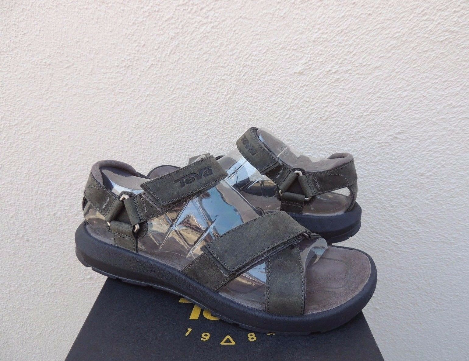 TEVA BERKELEY GREY LEATHER STRAPPY SPORT SANDALS, Uomo US 9/ EUR 42 ~NWT