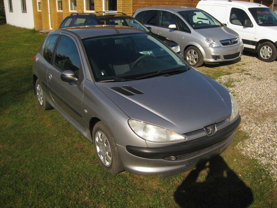 Peugeot 206 1,4 HDi Diesel modelår 2003 km 251000 Gråmetal