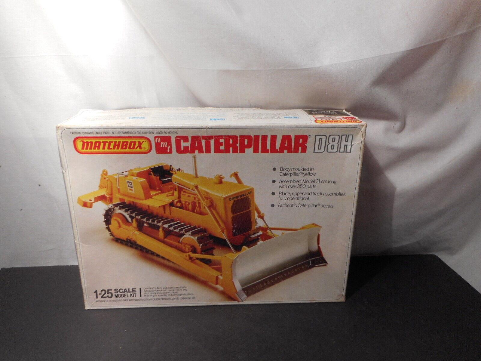 Model Kit Kit Plus Parts Caterpillar D8H Bulldozer