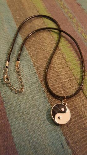Collana yin yang ciondolo tao uomo donna pendente bianco nero spirituale unisex