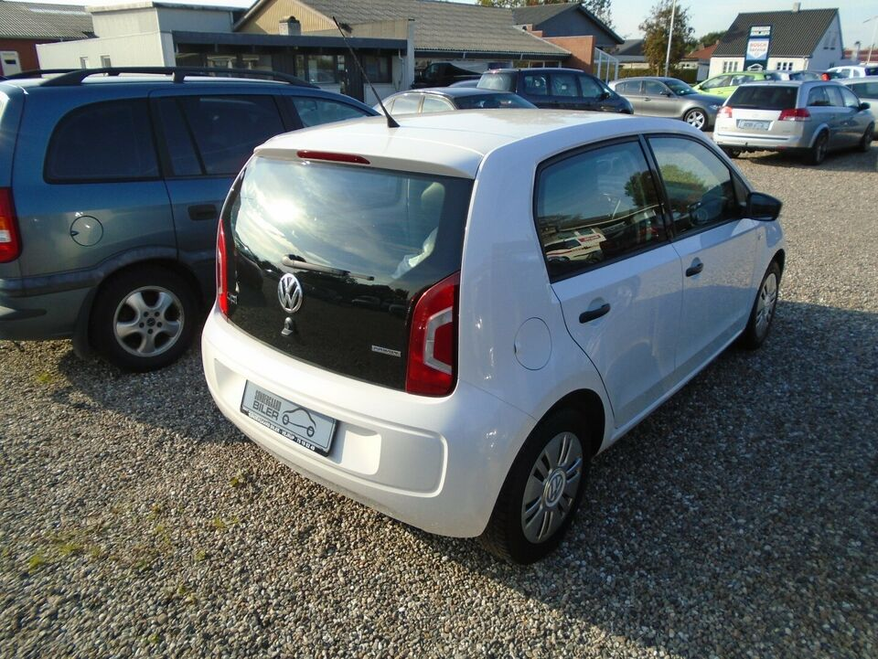VW Up! 1,0 60 Take Up! BMT Benzin modelår 2013 km 126000 Hvid