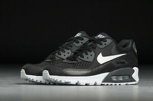 Details zu Nike Damen Nike Air Max 90 Se Damen UK 4.5 Eu 38 US 7 881105 004 Schwarz Weiß