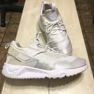 Nike 806807-100 Air Huarache Utility