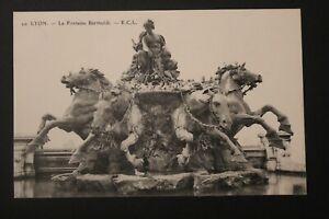 Tarjeta-Postal-Antigua-1913-Lyon-La-Fuente-Bartholdi