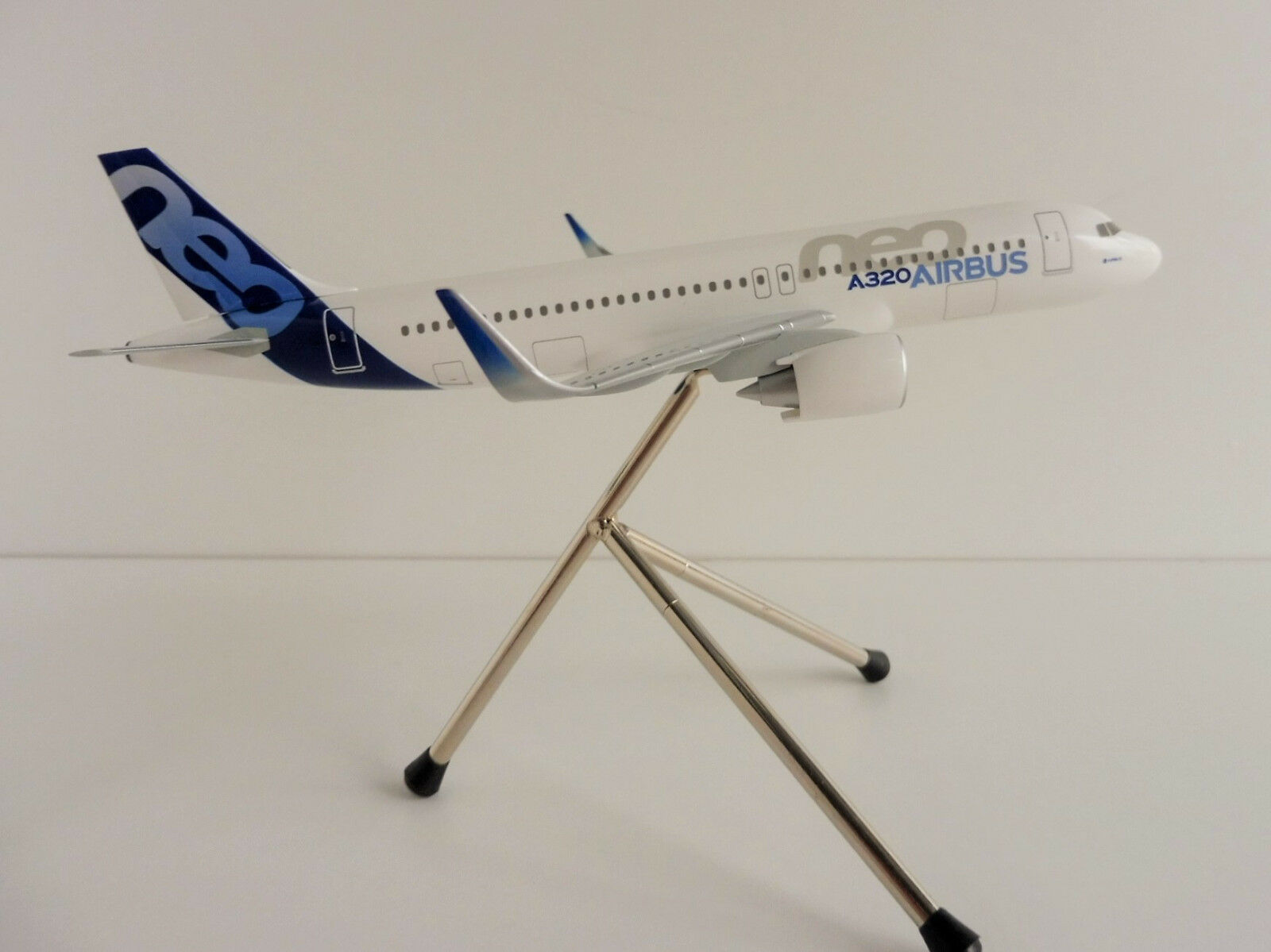 Airbus a320neo House Colour 1 200 Hogan LIMOX Wings as13 A 320 a320 Neo New reçues qui spéci