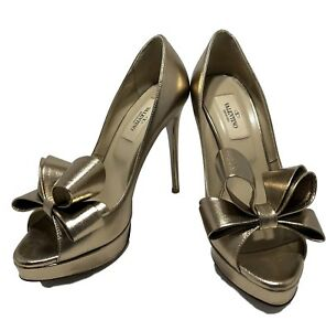 VALENTINO-CHAMPAGNE-LEATHER-BOW-OPEN-TOE-PUMPS-36-5-745