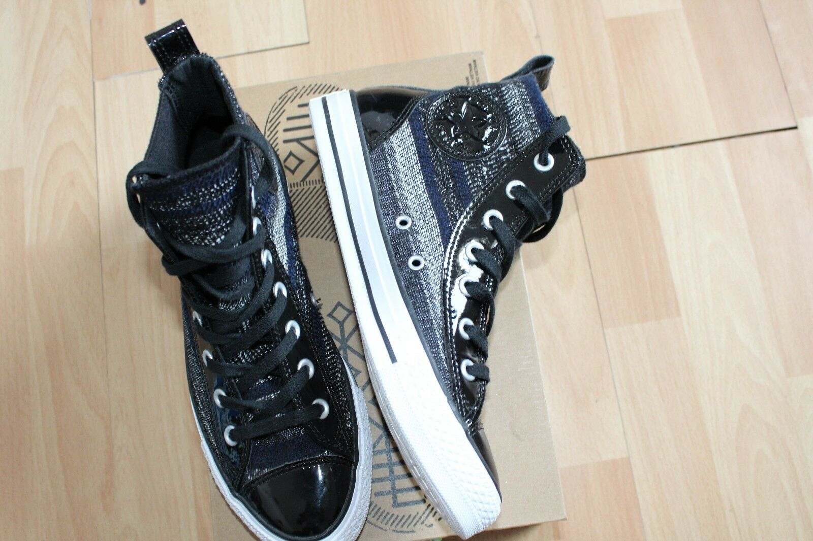 NEW WOMENS CONVERSE SZ 8 SHOES BLACK CT CHELSEE HI 549596C