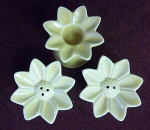 GOLD-DAISY-SALT-AND-PEPPER-SHAKERS-WITH-A-MATCHING-CANDLE-HOLDER-NEW