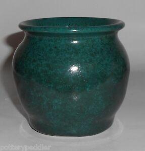 Bruning-Studio-Pottery-Seattle-Green-Cabinet-Vase-MINT